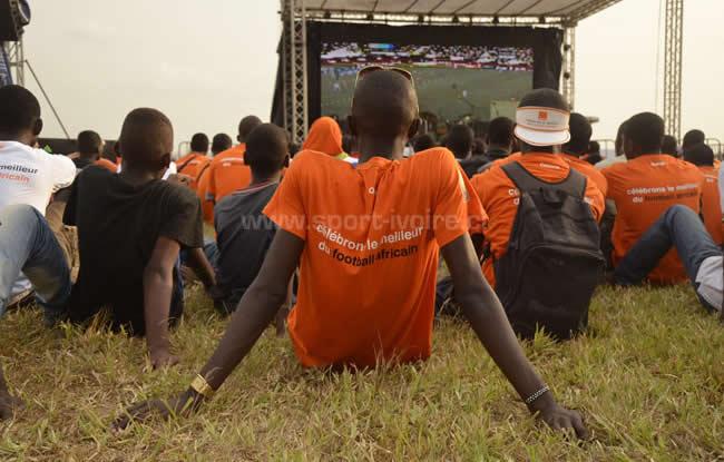 Abidjan retient son souffle