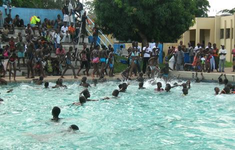 Calais plus personne ne veut venir la piscine cause for Piscine iceo calais