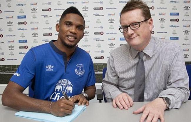 Eto'o signe � Everton