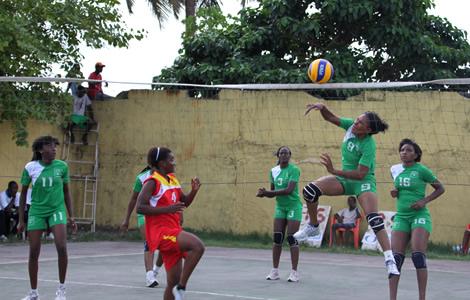 Le Stella CVB bloqué à Abidjan, faute de moyens