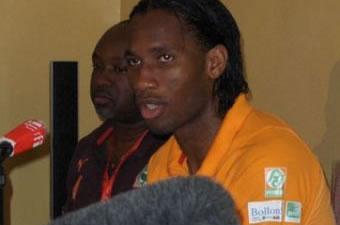 Football: Les Maliens en veulent à Drogba et à sa belle famille