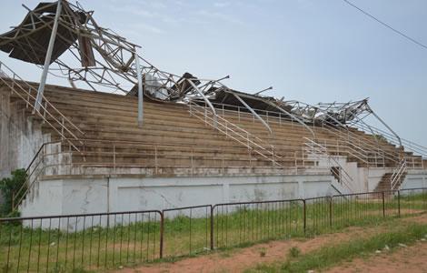 AS TANDA s'impose dans un stade qui s'effondre