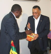 Basket/ Aide au Développement : FIBA Afrique offre 1030 Ballons à la FEBBA