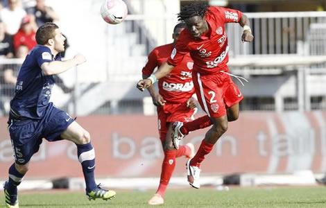 Koro Koné marque des points