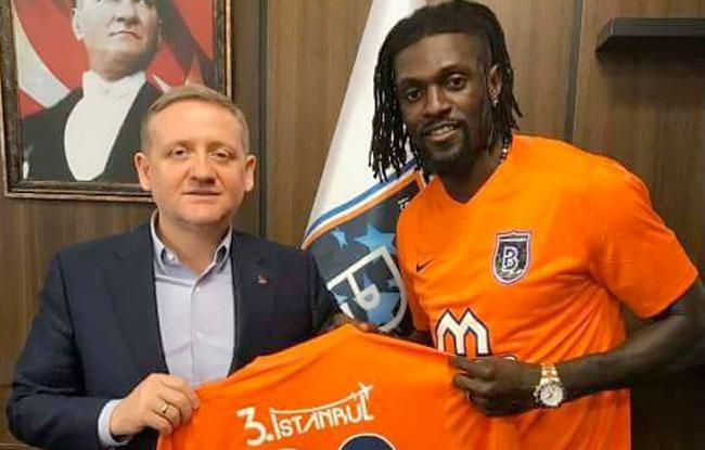 Adebayor signe à Basaksehir